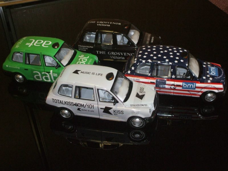 mini-models-taxis